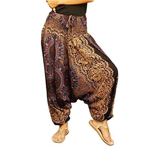 Ce qui est plus juste à dire est que le pantalon ressemble au sarouel et  non pas l\u0027inverse. En effet, le sarouel, dans sa forme légère, est  considéré comme