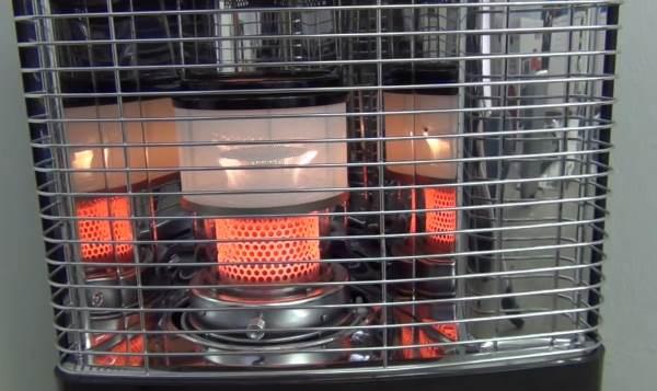 po le p trole le chauffage d 39 appoint pour l 39 hiver. Black Bedroom Furniture Sets. Home Design Ideas