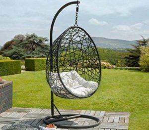 un fauteuil suspendu pour une d contraction absolue. Black Bedroom Furniture Sets. Home Design Ideas